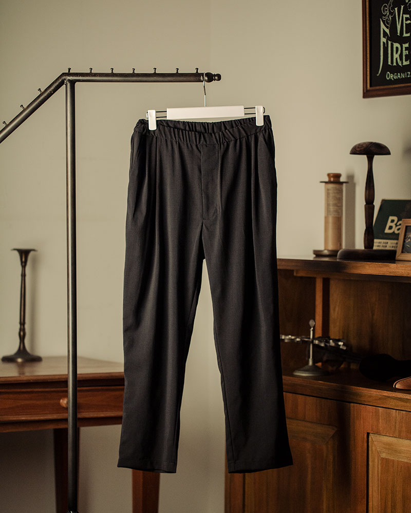 HALHAM|Easy Wide Tapered Pants・Black