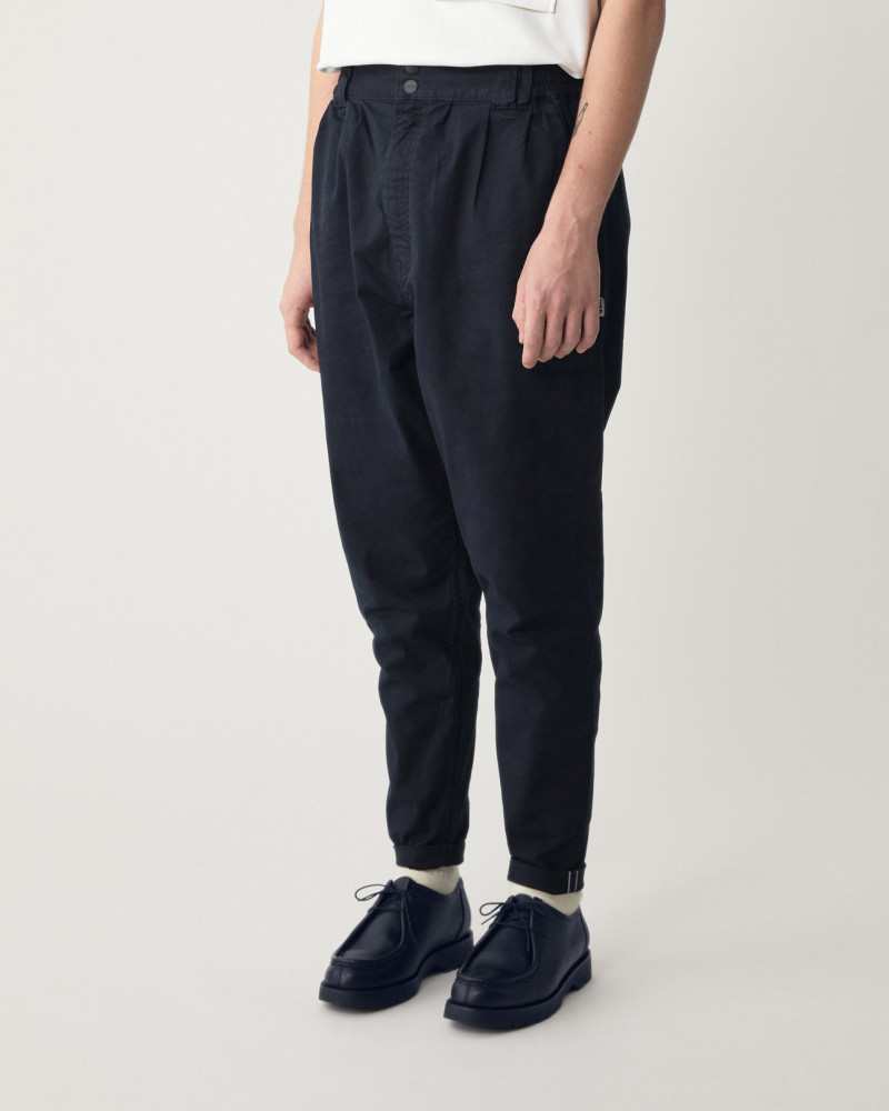 LAKH Supply Tapered Pants・Navy