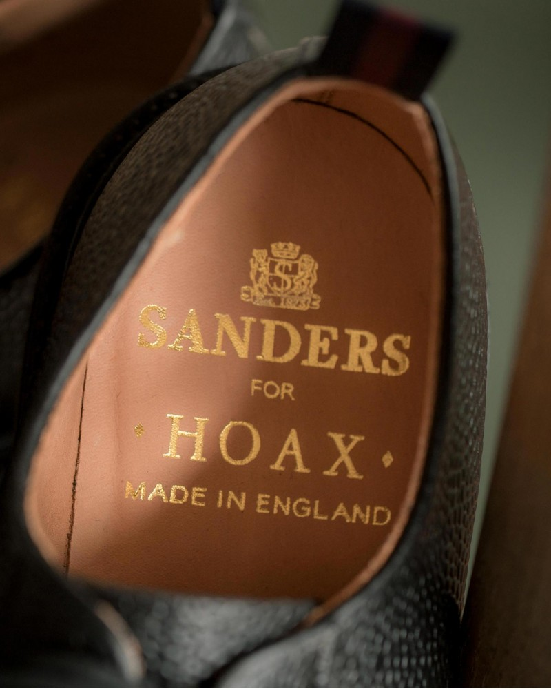 Sanders for HOAX 10th|Pebble-Grain Leather Broad Arrow Wholecut Derby