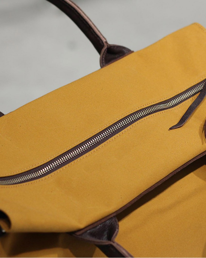 Butler Verner Sails|Paraffin Boston Bag・Earthy Yellow
