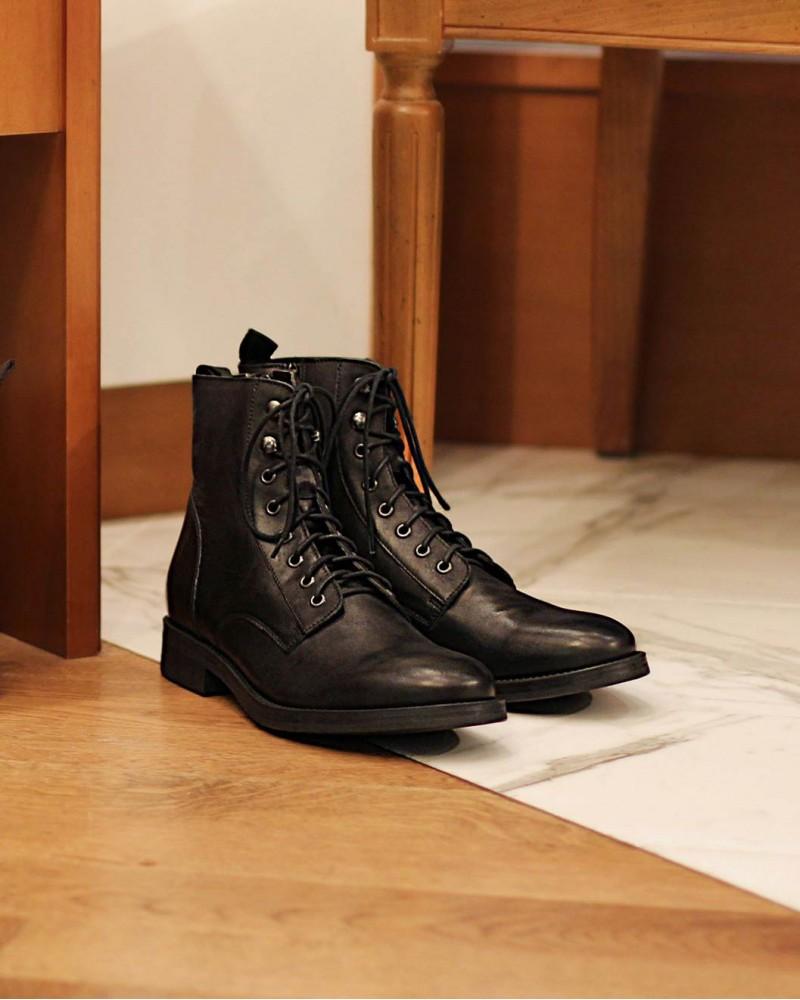 Boemos Lace-Up Boots.Black