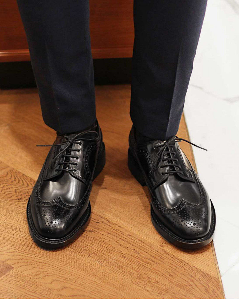 Loake|Royal Long Wing Brogues・Black
