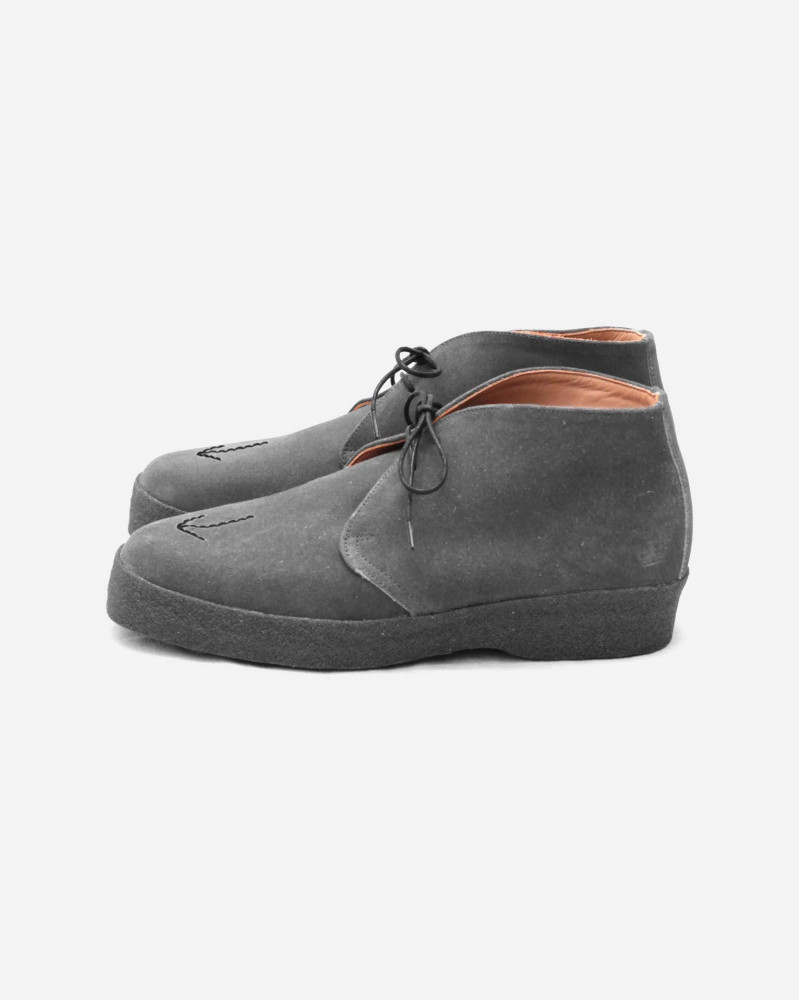 HOAX x SANDERS Military Broad Arrow Playboy Chukka・Grey Suede