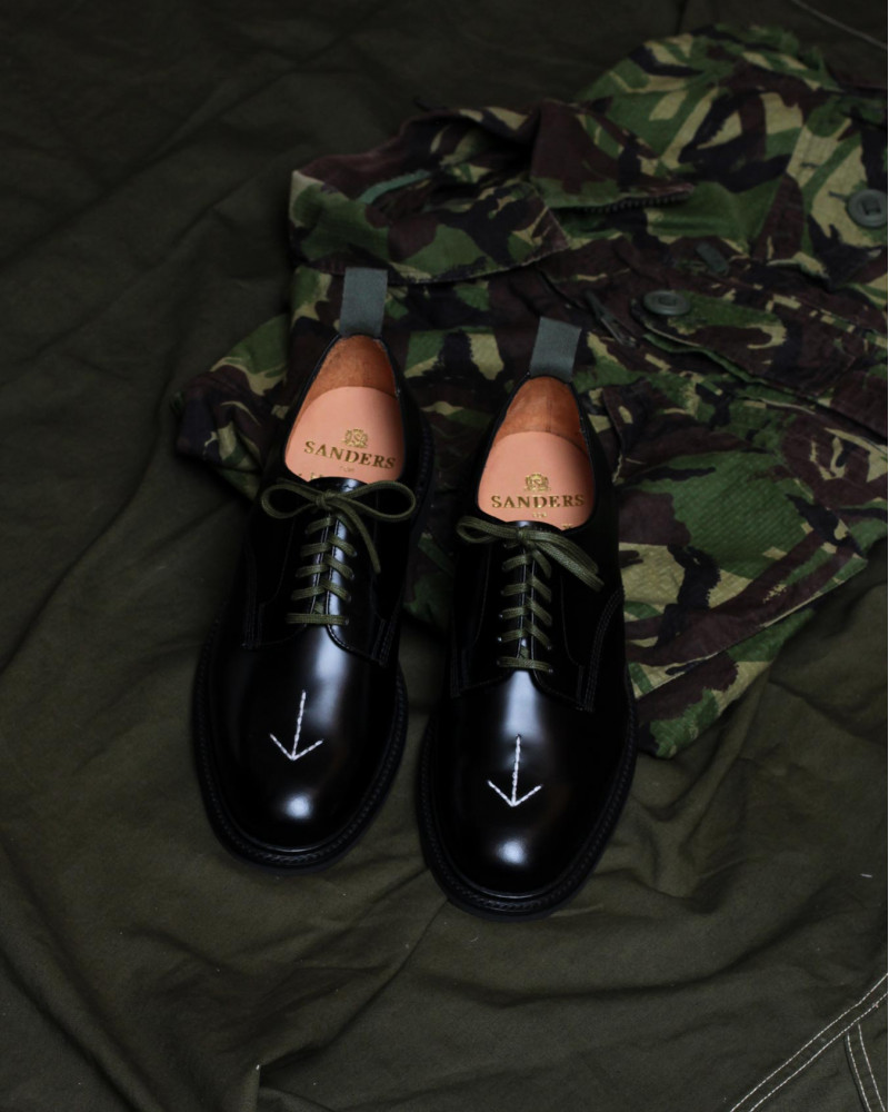 Pre-order|HOAX x SANDERS Military Broad Arrow Derby・Black