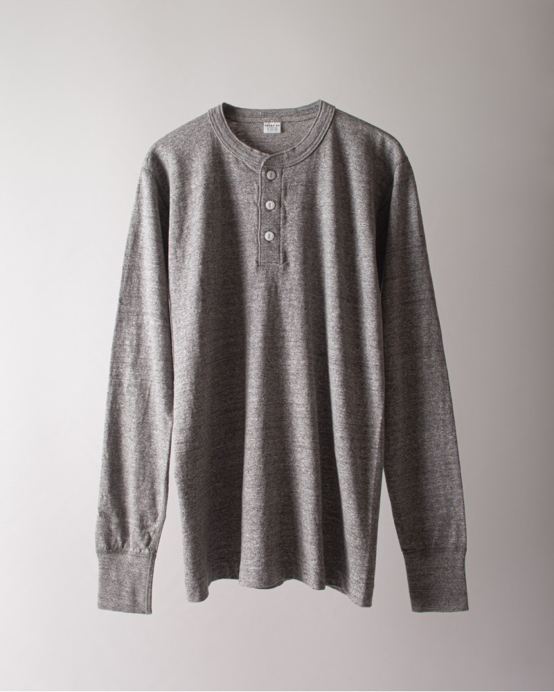 ENTRY SG|Merida Long Sleeve Henley Neck Tee・Graphite