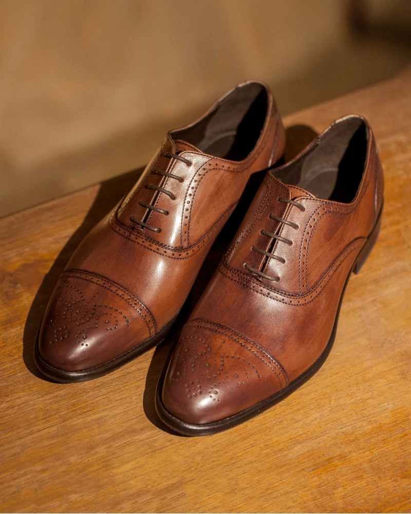 Calzoleria Toscana|Z594 Captoe Medallion Oxfords・Wood Patina