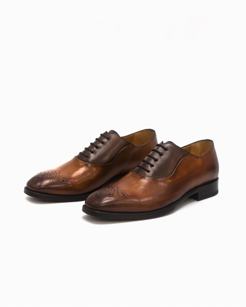 HOAX Made in Italy 2-Tone Medallion Oxford