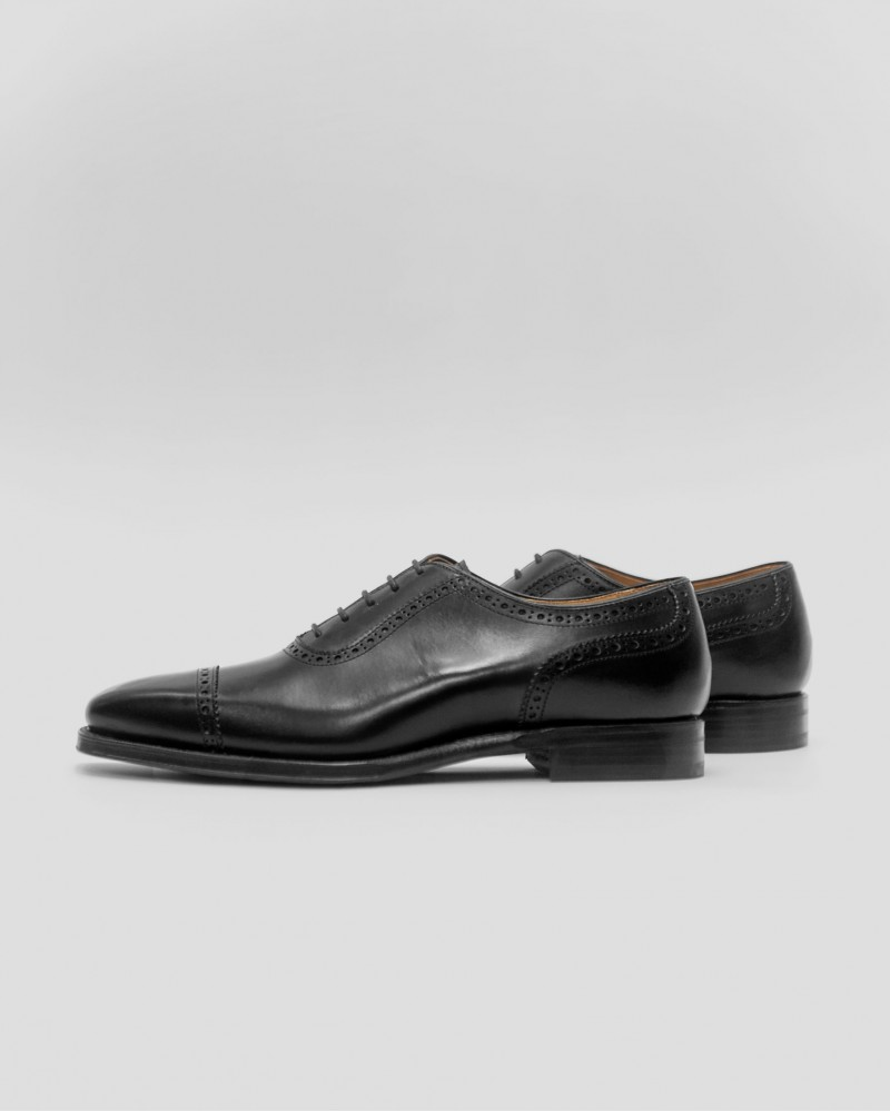 Berwick 1707 Quarter Brogue・Black