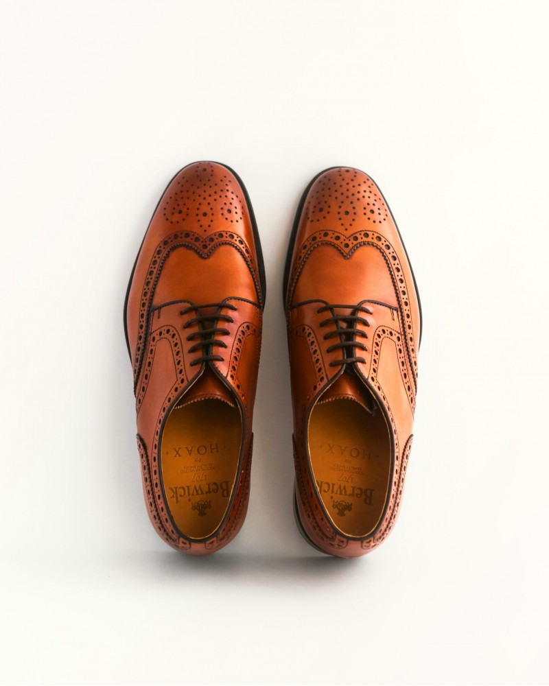 Berwick 1707 for HOAX Wingtip Derby Shoes・Tan