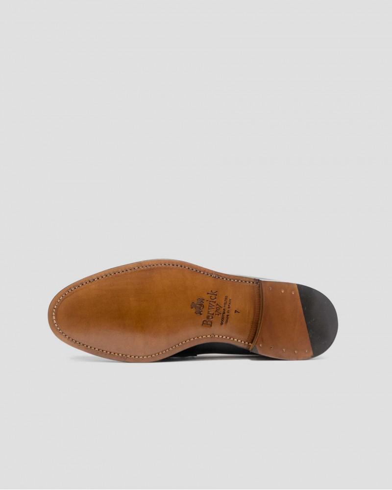Berwick 1707 Penny Loafers · Black