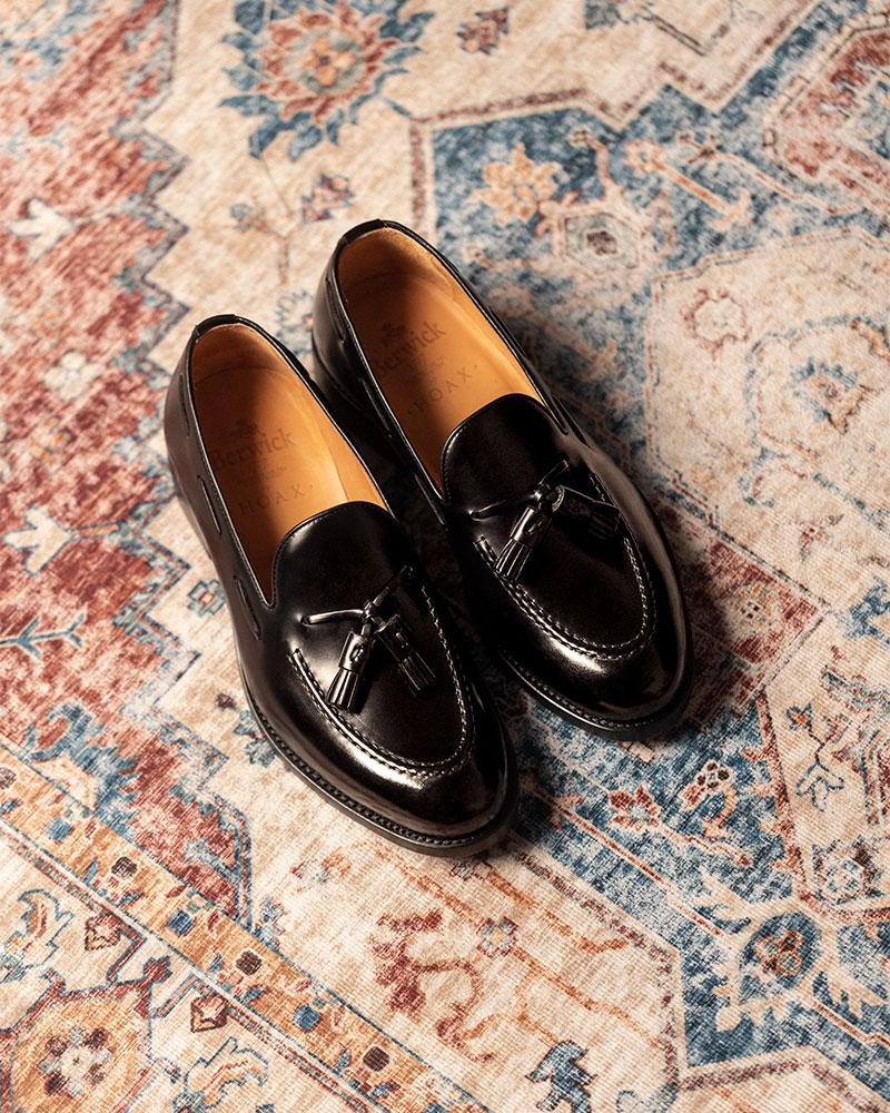 Berwick1707 for HOAX|4171 Tassel Loafers・Black
