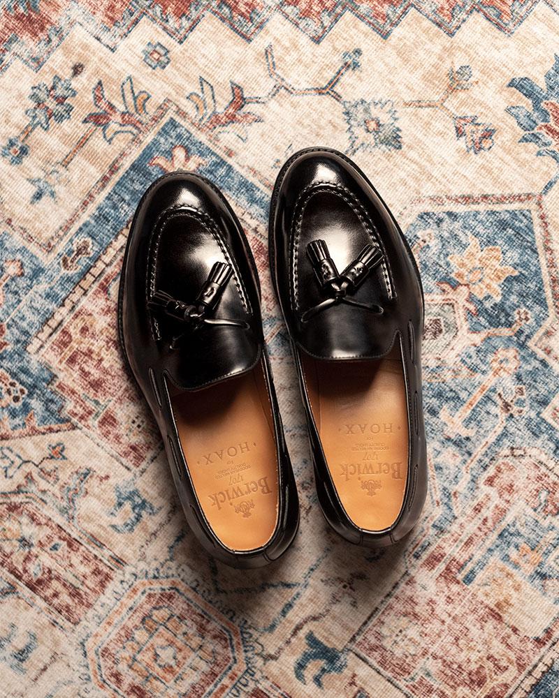 Berwick1707 for HOAX 4171 Tassel Loafers・Black