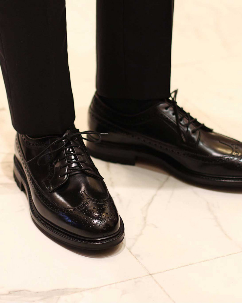 Berwick1707 for HOAX|4794 Longwing Brogues Plus with Commando Sole・Black