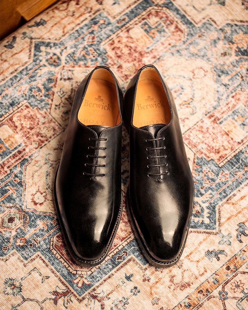 Berwick1707 for HOAX|5216 Whole Cut Oxford・Black